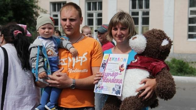 В Боброве в День Защиты детей прошел конкурс колясок