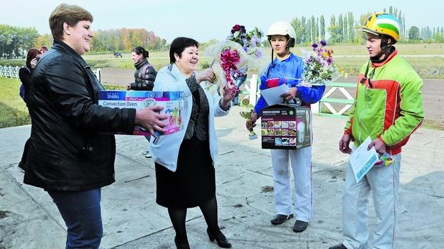 В Бобровском районе прошел чемпионат наездников