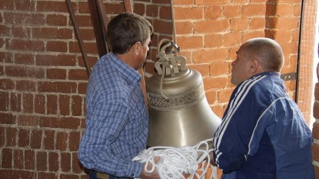 В бобровском храме появилась новая звонница