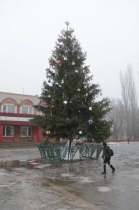 город Бобров Новогодняя ель